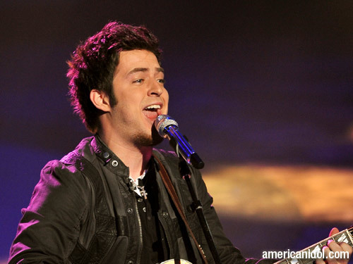 "Lee DeWyze chant ""Little Less Conversation"""