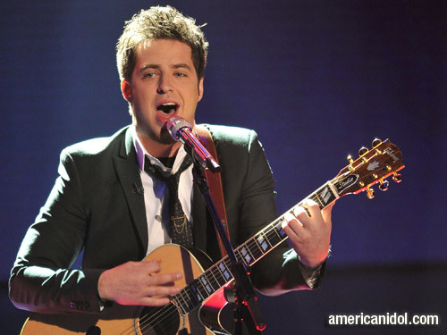 """Lee DeWyze Singing """"You're Still The One"""""""