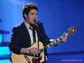 Lee DeWyze singing Hey Jude - american-idol photo