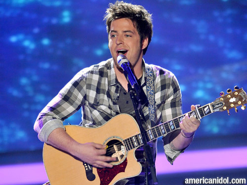 "American Idol wallpaper entitled Lee DeWyze singing ""Kiss From A Rose"""