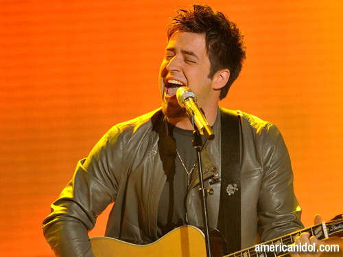 "Lee DeWyze singing ""Simple Man"""
