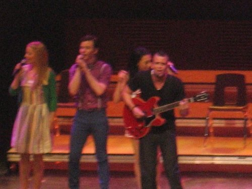 MD {Glee tour}