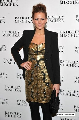 Mercedes Benz Fashion Week - Badgley Mischka Fashion tunjuk (2010)