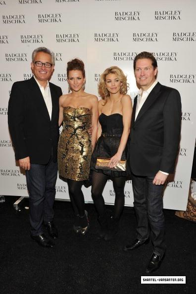 Mercedes Benz Fashion Week - Badgley Mischka Fashion toon (2010)