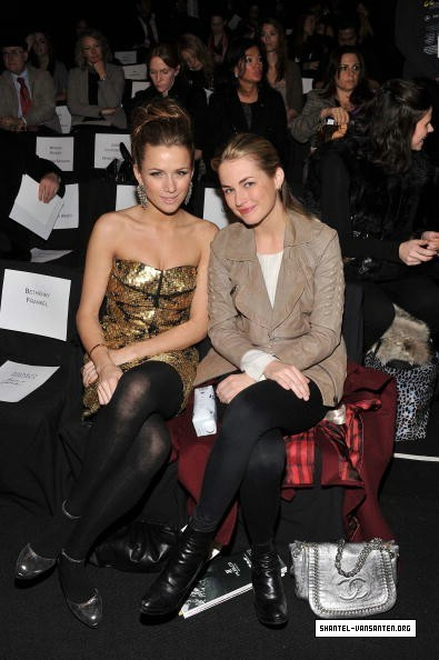 Mercedes Benz Fashion Week - Badgley Mischka Fashion Show (2010)
