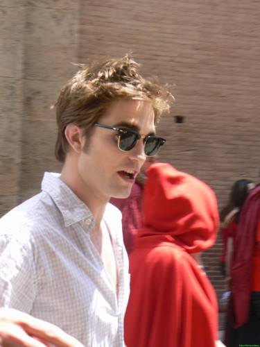 New/Old Pictures: Rob(/Kristen) in Montepulciano