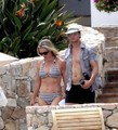 Peter Facinelli goes shirtless with his bikini-clad wife Jennie while a Romatic Mexican vacation - twilight-series photo