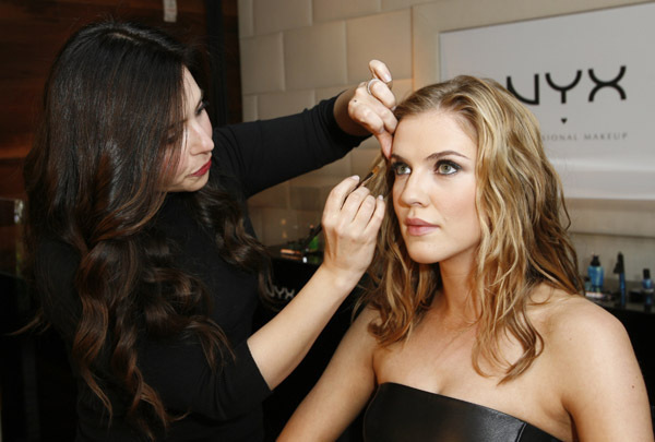 http://images2.fanpop.com/image/photos/12400000/Sara-Canning-Attends-Nyx-Cosmetics-Decade-1-Anniversary-the-vampire-diaries-12436516-600-405.jpg