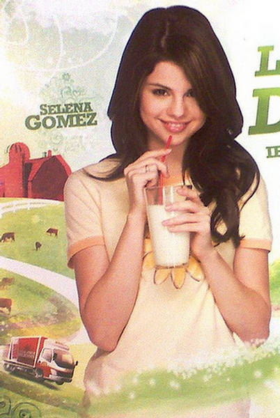 Selena Gomez Milky Photo Shop