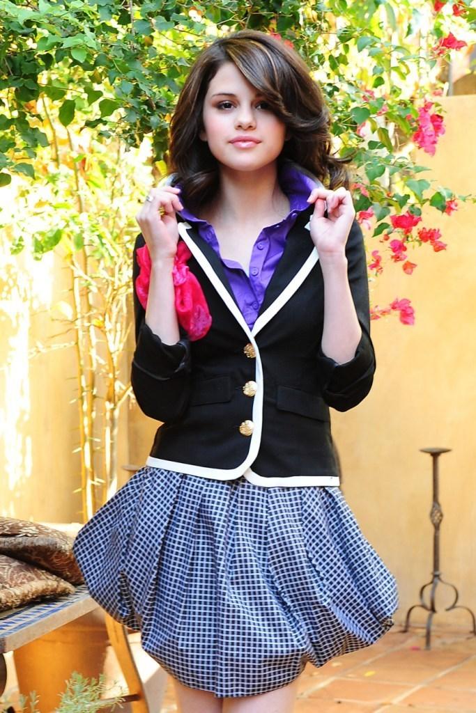 Selena Gomez PhotoShop