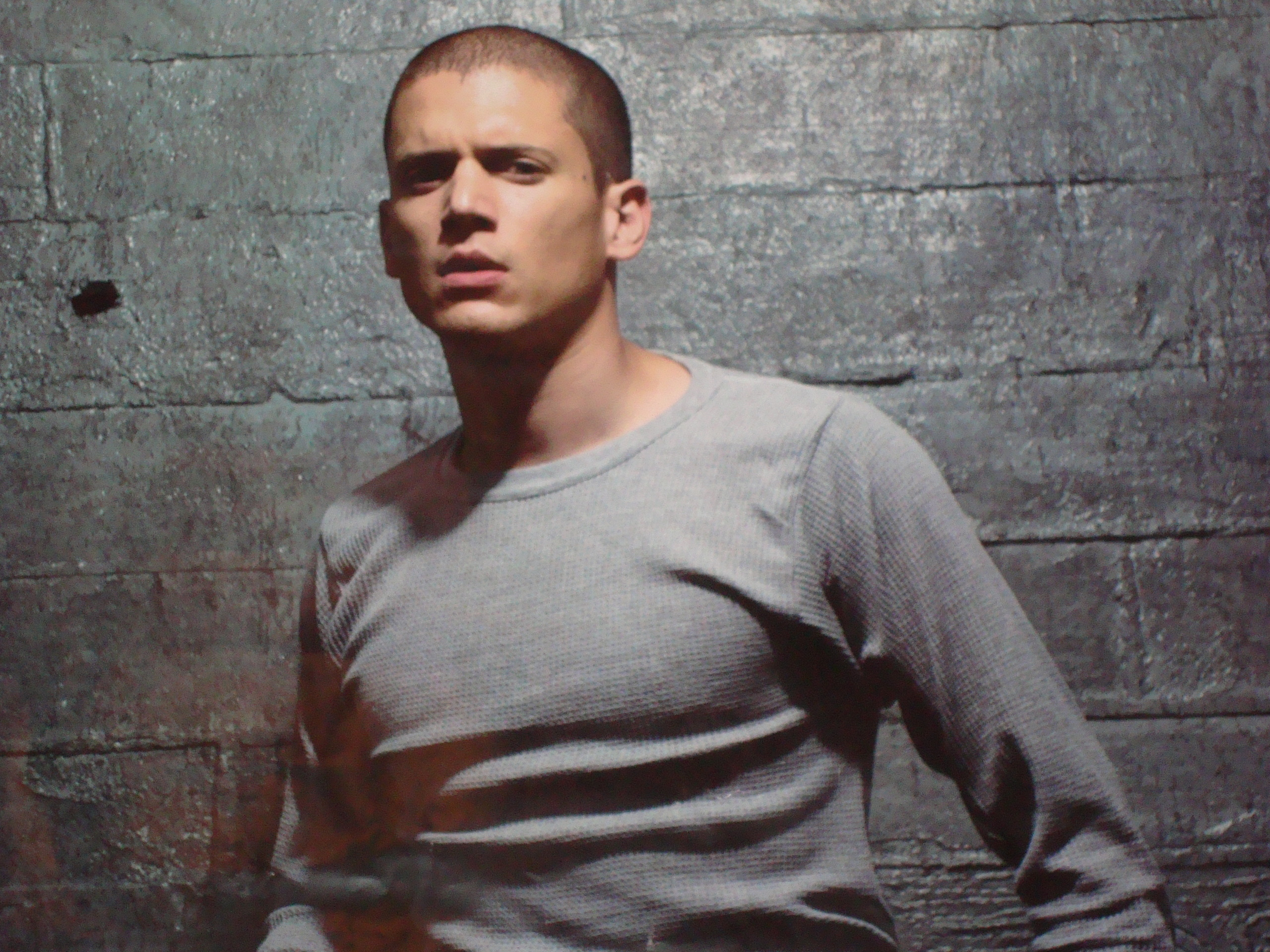 wentworth girls Dc's legends of tomorrow showrunner marc guggenheim has revealed the door will be left open for wentworth miller following his onscreen exit.