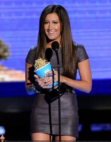 ashley tisdale mtv movie awards