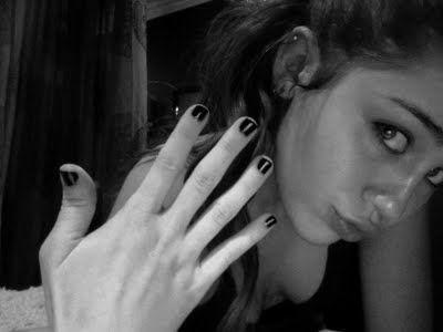 miley cyrus nails
