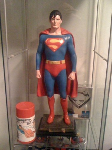 Superman Hintergrund titled my 1/2 Custom Reeve Statue