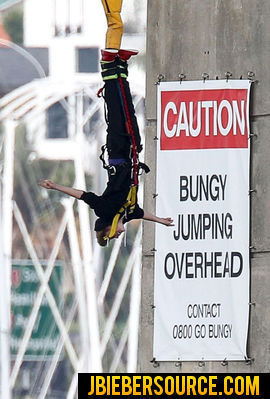 BUNGEE JUMPING (NEW ZEALAND)