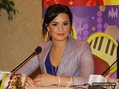 MAY 22ND - Press Conference in Chile