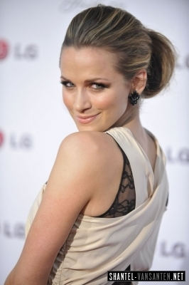 Shantel VanSanten wallpaper called A Night Of Fashion & Technology With LG Mobile Phones (2010)