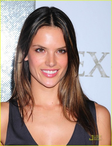 Alessandra Ambrosio: Sex And The City Premiere Pretty