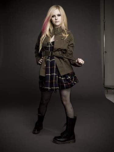 Avril wearing Abbey Dawn clothes <3