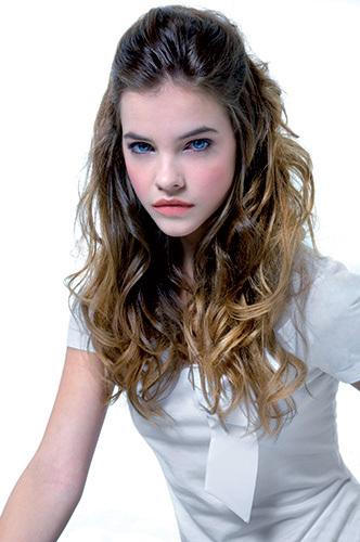 Imogen Vallimont Barbara-Palvin-models-12523356-332-500