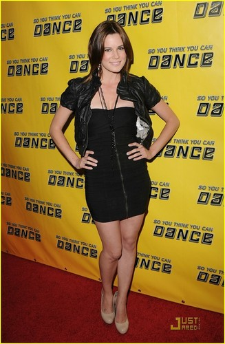 Chelsea Hobbs Thinks She Can Dance
