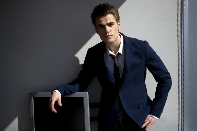 http://images2.fanpop.com/image/photos/12500000/DaMan-Magazine_new-outtakes-the-vampire-diaries-tv-show-12524315-640-426.jpg