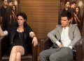 Kristen Stewart &amp; Taylor Lautner Tele13 Online Interview  - kristen-stewart-and-taylor-lautner screencap