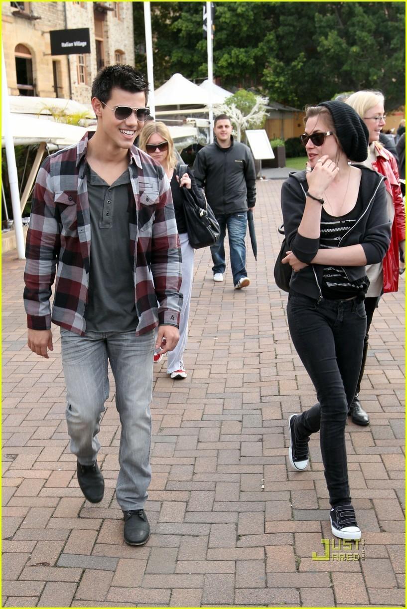 Kristen Stewart and Taylor Lautner boot Ride Down Under
