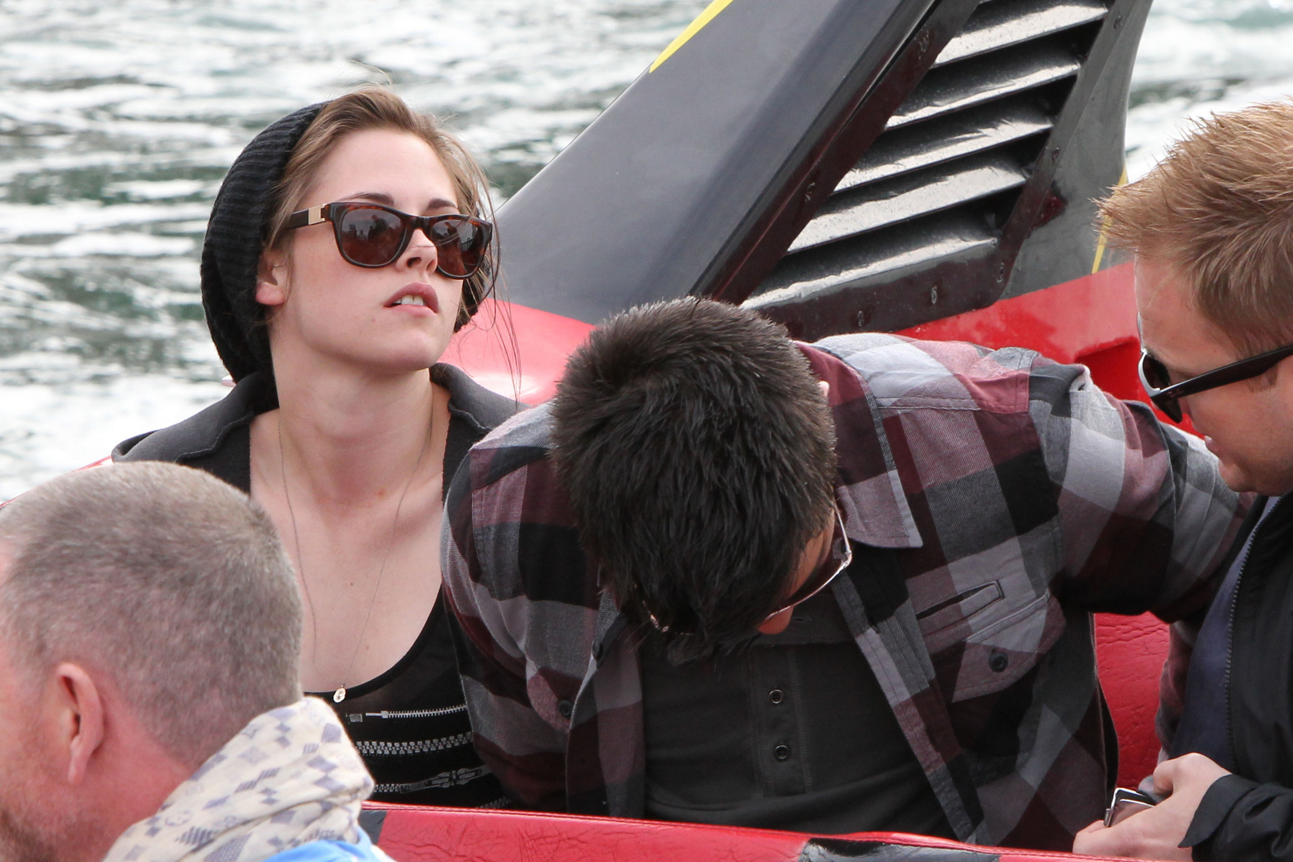 Kristen and Taylor in Sydney