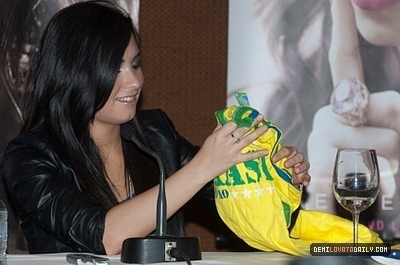 MAY 28TH - Press Conference in São Paulo, Brazil - demi-lovato Photo