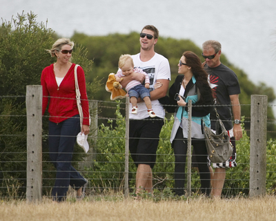 Miley visiting Liam and his family In Australia [Jan 3, 2010]