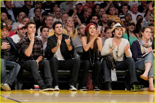 Nina@Lakers Game (27/5/2010)