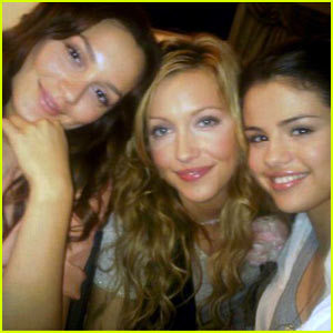 Selena and Monte Carlo co-stars Leighton Meester and Katie Cassidy
