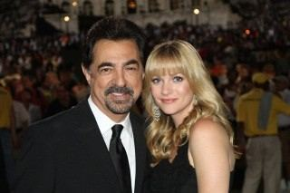 criminal minds wallpaper titled AJ Cook & Joe Mantegna @ Memorial dia show, concerto