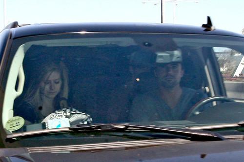 Avril at LA airport (30th May 2010)