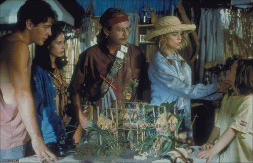 Beverly Hills Family Robinson stills (1998)