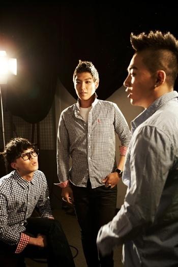 http://images2.fanpop.com/image/photos/12600000/Bigbang-BSX-big-bang-12669825-350-525.jpg