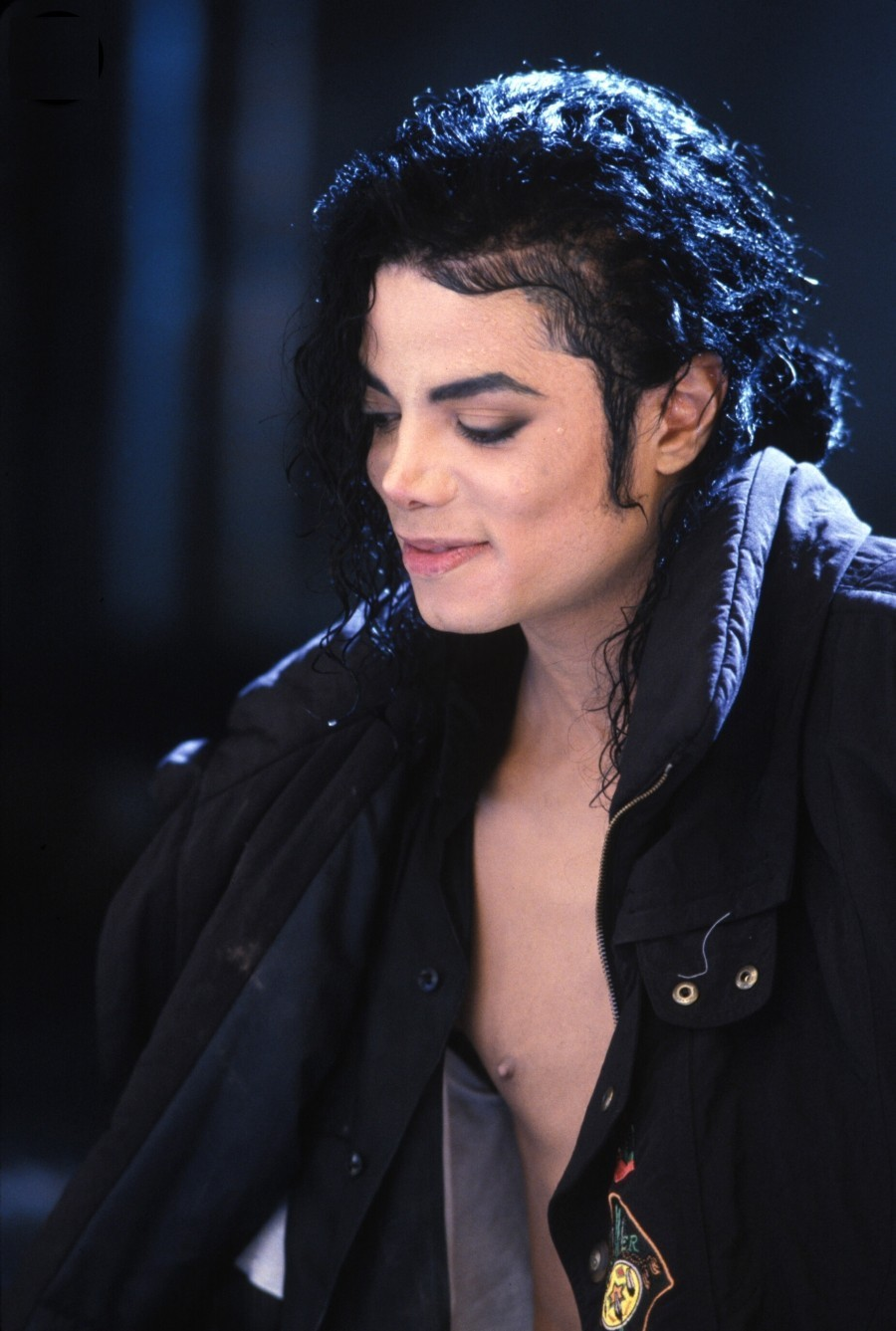 black or white Black or white is one of michael jackson's songs in the albums dangerous and history: past.