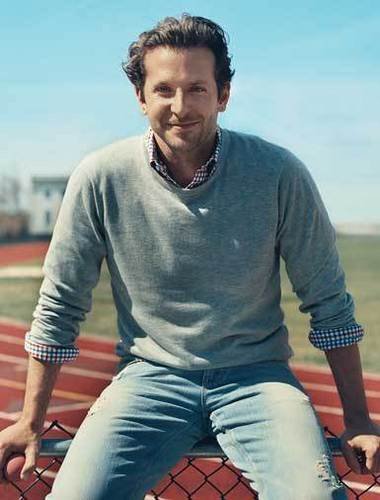 Bradley Cooper 壁纸 entitled Details Magazine June 2010