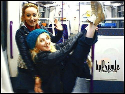 Evanna Lynch with friend