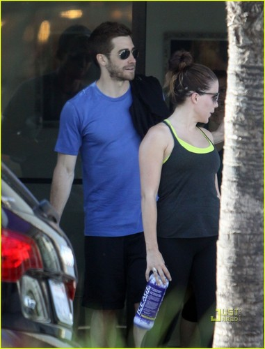 Jake Gyllenhaal & Austin Nichols Hit Gym with Sophia busch