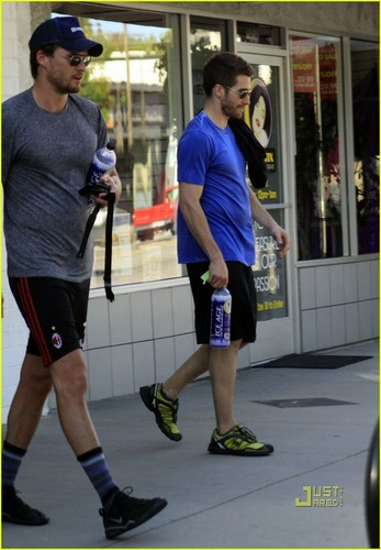 Jake Gyllenhaal & Austin Nichols Hit Gym with Sophia গুল্ম