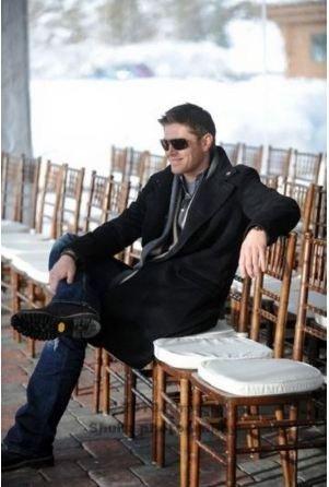 Jensen Ackles Hintergrund called Jensen at Jared's Wedding Rehearsal