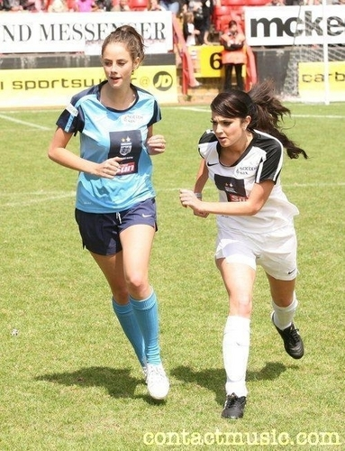 Kaya Scodelario in a football match