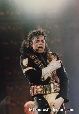 Michael Jackson concerts wallpaper titled MICHAEL JACKSON - LIVE