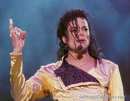 Michael Jackson concerts wallpaper called MICHAEL JACKSON - LIVE
