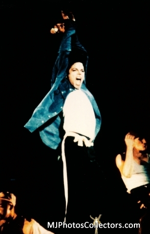 MICHAEL - ON STAGE