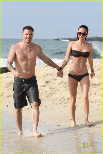 Megan & Brian out in Hawaii