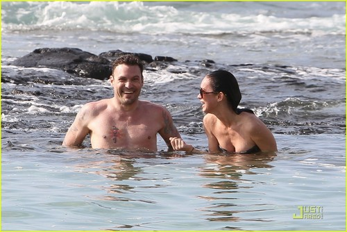 Megan & Brian out in Hawaii