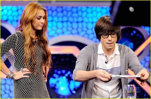 """Miley on """" El Hormiguero"""""""